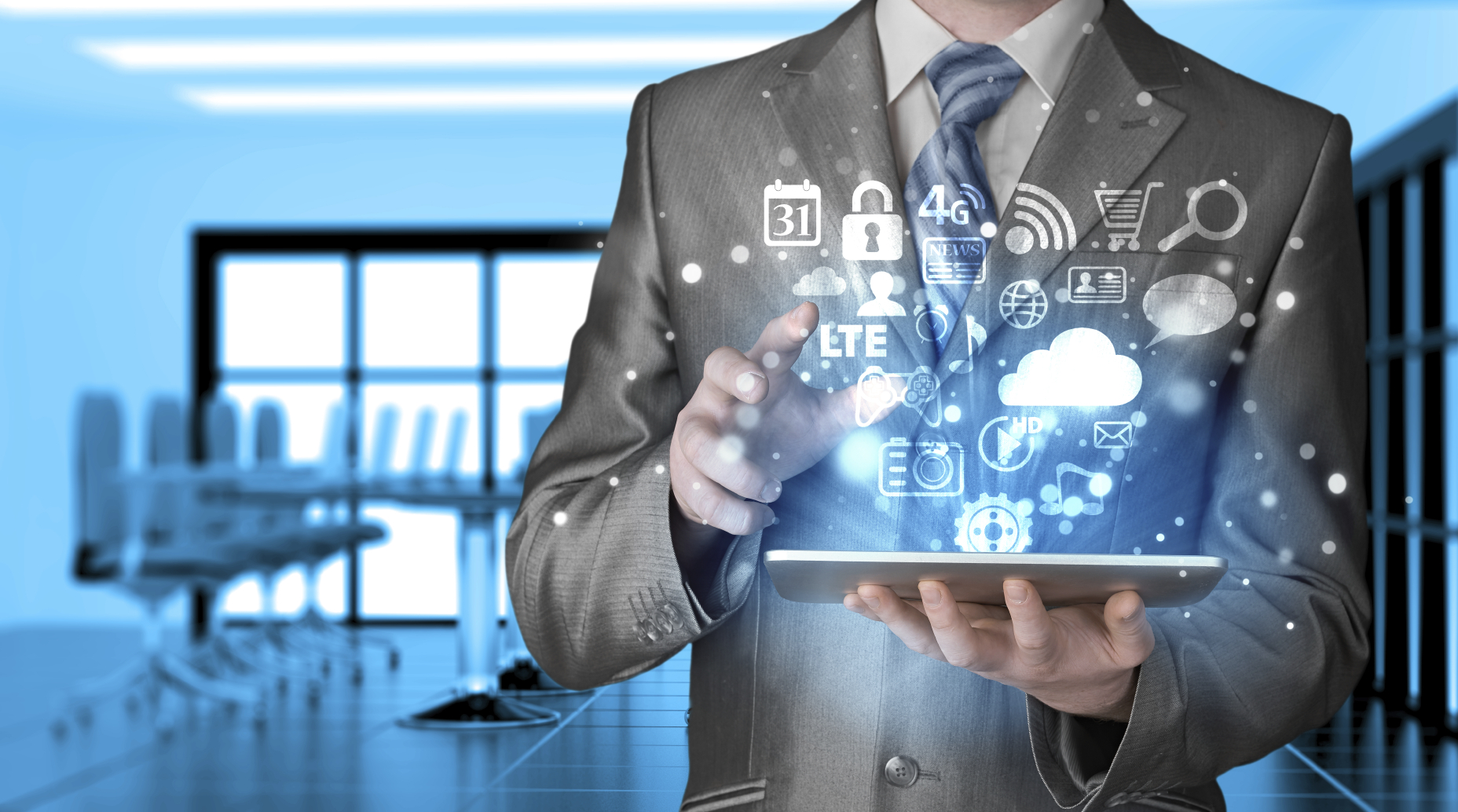 RF4.0 MKT Gestão de Redes Sociais Porque Fazer na Minha Empresa business-computer